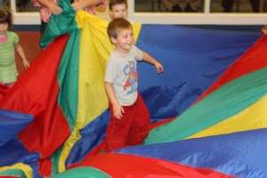Carlton gets dizzy with the parachute game