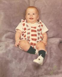 My little brother, Lee, turns 39 tomorrow. He's slightly bigger now.